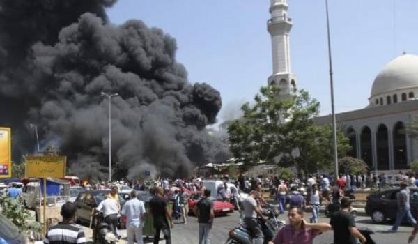 Deux ambassades sont visées par des attentats.