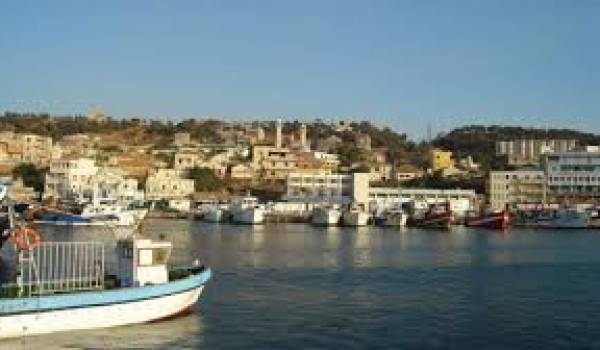 Le port de Bouharoun.
