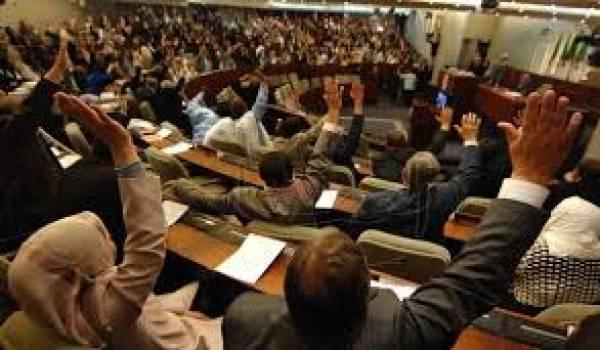 Il y a longtemps que le citoyen ne croit plus à l'indépendance des députés algériens.