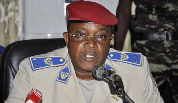 Honoré Traoré dispute la direction du pays avec le colonel Zida