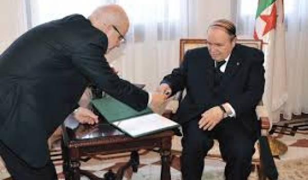 Rappelons-nous : Medelci, président du Conseil constitutionnel, a avalisé la candidature d'un  Bouteflika malade.