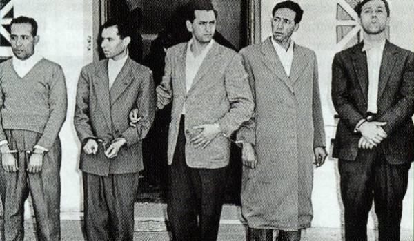 Khider, Lacheraf, Aït Ahmed, Boudiaf et Ben Bella.