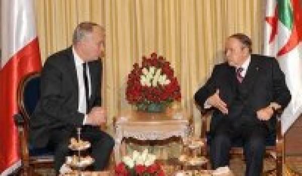 Bouteflika et Ayrault.