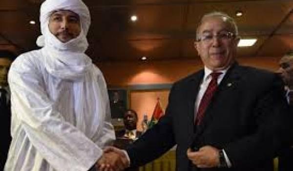 Bilal Ag Acherif a salué les négociateurs d'Alger. Ici Ramtane Lamamra.