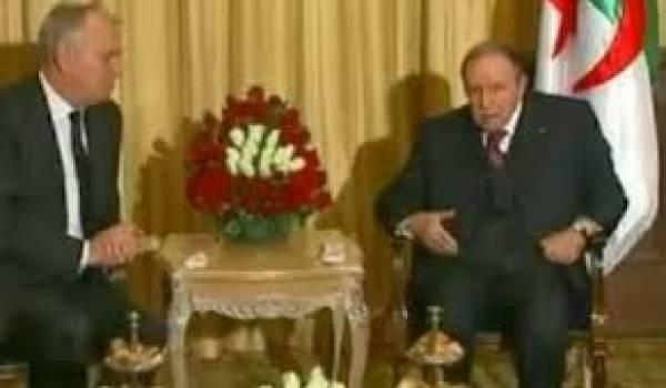 Abdelaziz Bouteflika avec Jean-Marc Ayrault