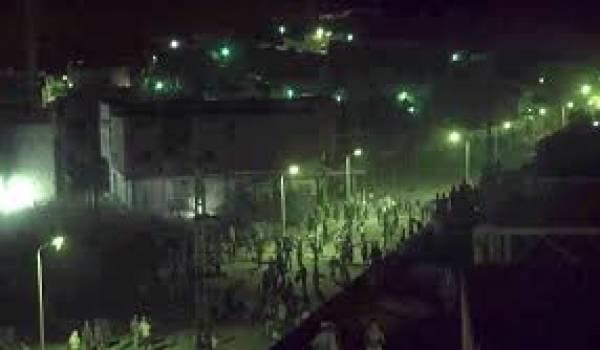 De graves affrontements secouent plusieurs quartiers de Ghardaïa dans le silence général.