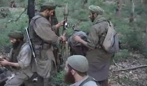 Les soldats de l'ANP traquent les terroristes islamistes à l'Est d'Alger.