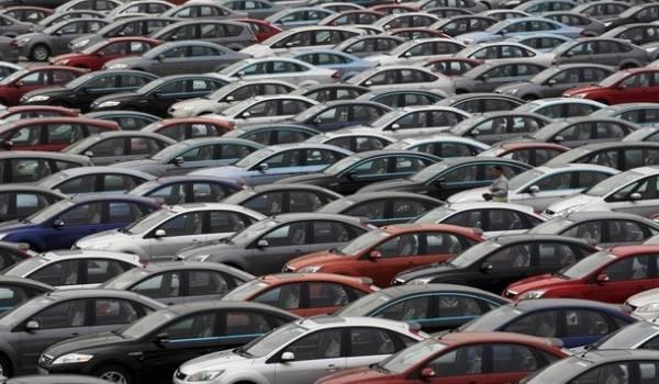 Le crédit à la consommation a fait exploser les importations notamment de voitures.