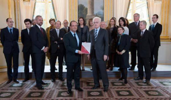 Lionel Jospin, 77 ans, honoré par le président Hollande puis placé au Conseil constitutionnel français.
