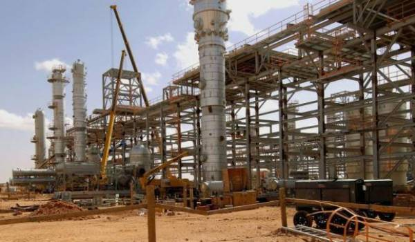 Il est urgent que l'Algérie cesse de compter sur ses recettes pétrolières avant qu'il ne soit trop tard.