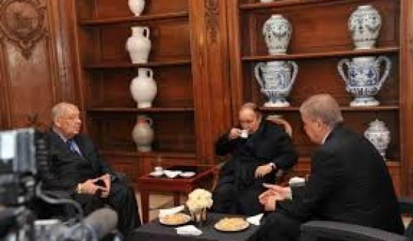 Les tenants du pouvoir conduisent l'Algérie dans une situation très critique.