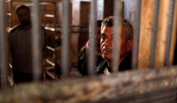 Des milliers de Syriens croupissent dans les prisons du régime.