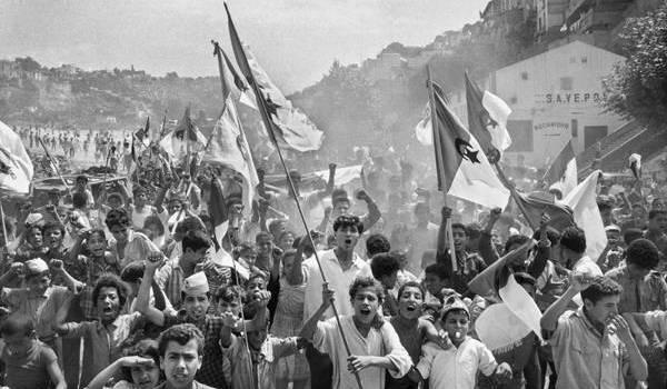 Qu'a fait le pouvoir de ce peuple qui criait sa fierté en juillet 1962 ?