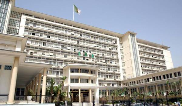 LE gouvernement  de Bouteflika a décidé d'un nouveau découpage administratif du sud.