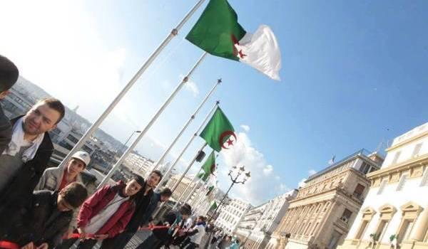 Les Algériens désespérés par la classe politique incapable de proposer une alternative au pouvoir.
