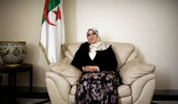 Asma Benkada, ex-femme de Qaradawi, députée et chef de la commission éducation à l'APN.