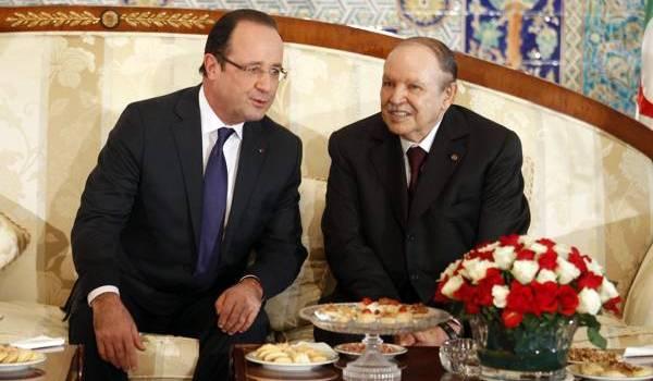 Le président Bouteflika recevant François Hollande à Alger.
