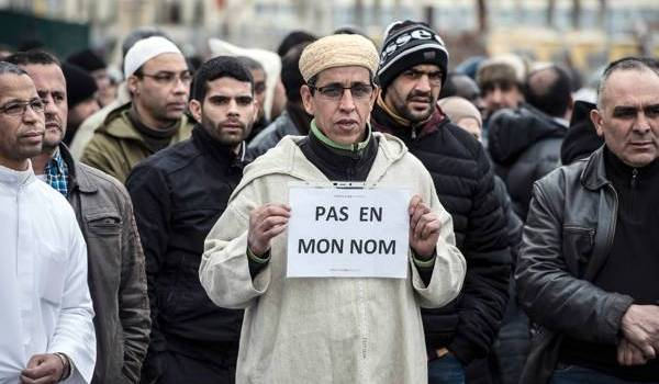 Les musulmans de France appréhendent la stigmatisation qui se met en place suite aux attentats de Paris