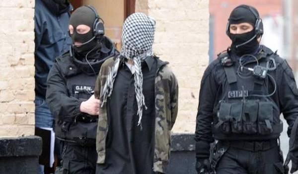 Malgré les mesures de surveillance, les services de renseignement n'ont pas pu anticiper le massacre de Charlie Hebdo.