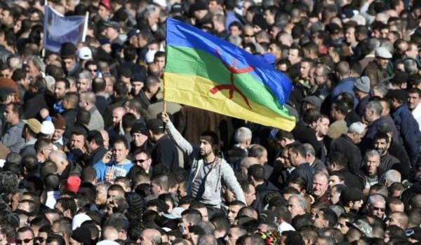 Les masses populaires attendent la mise en pratique de l'officialité de tamazight