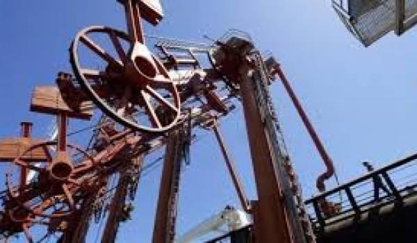 La baisse du prix du pétrole se fait sentir sur la balance commerciale de l'Algérie