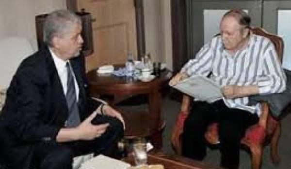 Bouteflika censé s'occuper entre autres des hôpitaux algériens se soigne à l'étranger.