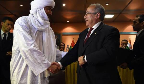 Ramtane Lamamra avec Bilal Ag Acherif, chef de la CMA.