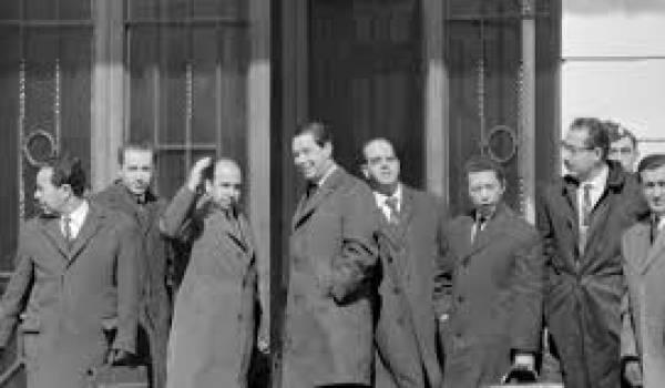 Avant d'arriver à Evian, plusieurs rounds de négociations avaient échoué entre les Algériens et les Français.