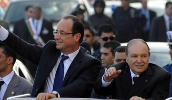 Les présidents Abdelaziz Bouteflika et François Hollande en décembre 2012.