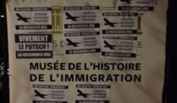 Des tags racistes ont été inscrits sur les murs du musée.