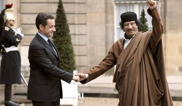 Nicolas Sarkozy est soupçonné d'avoir reçu de l'argent de Mouammar Kadhafi.