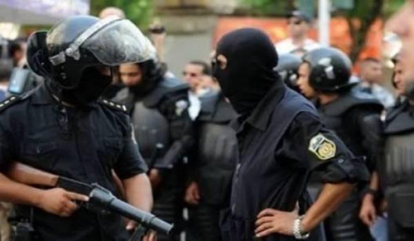 La menace terroriste s'ajoute à la crise économique qui corse déjà la vie économique de la Tunisie.