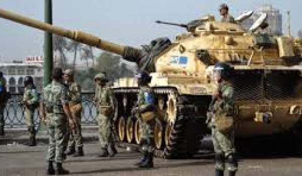 L'armée égyptienne confrontée aux terroristes djihadistes.