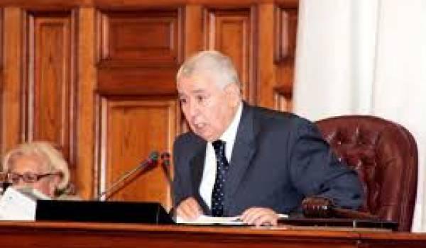 Abdelkader Bensalah en disgrâce