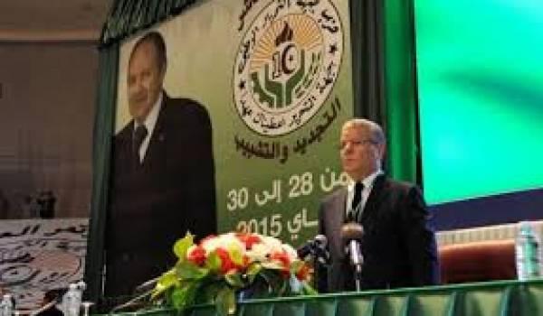L'ombre des frères Bouteflika a plané sur le congrès.