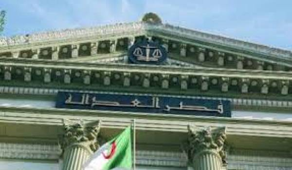La justice algérienne inféodée au pouvoir politique.