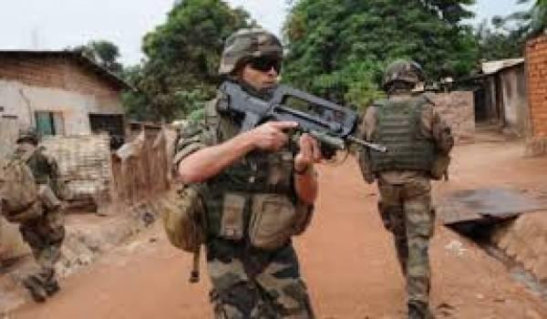 L'armée française éclaboussée par un scandale de viol sur enfants.
