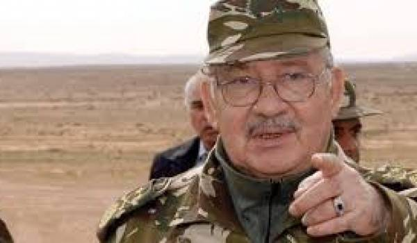 Le général major Gaïd Salah a donné sa caution au FLN pour parrainer le prochain chef de l'Etat.