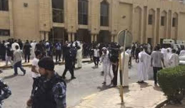 Daech a organisé un attentat dans une mosquée.