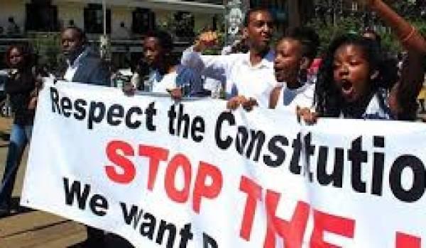 Les étudiants opposants au président Nkurunziza maintiennent la pression.