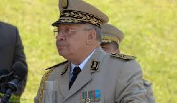 Gaïd Salah remet l'Armée au centre du politique.