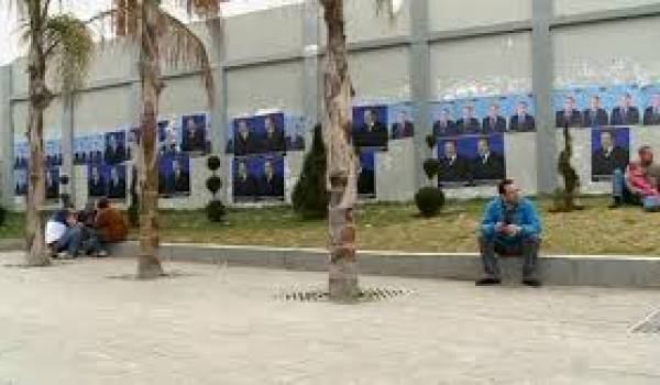 Un grave problème de gouvernance paralyse l'Algérie.