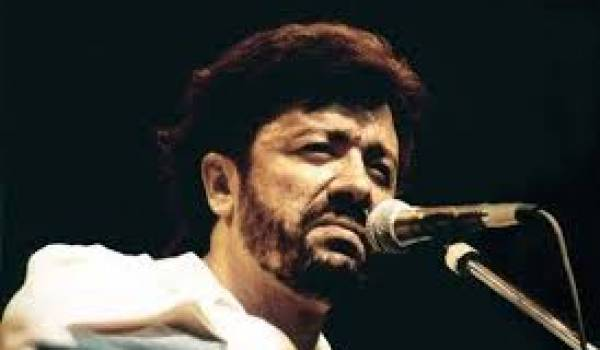 Matoub Lounès surnommé le Rebelle par ses fans.
