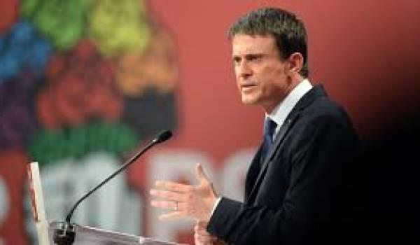 Valls rattrapé par son voyage en jet privé.