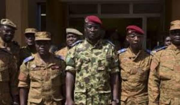 L'armée du Burkina veut la constitution d'un gouvernement civil.