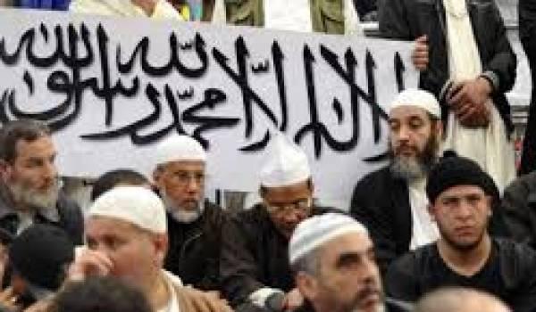 Le pouvoir est responsable de la montée de l'islamisme dans la société algérienne.