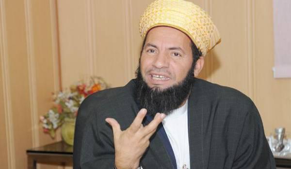 Djeloul Adjimi se veut redresseur des moeurs des Algériennes.