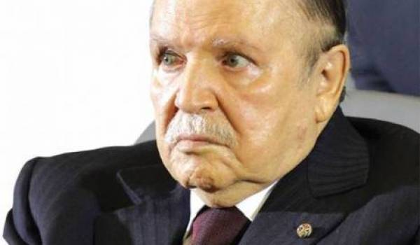 Bouteflika décidé à rester au pouvoir.