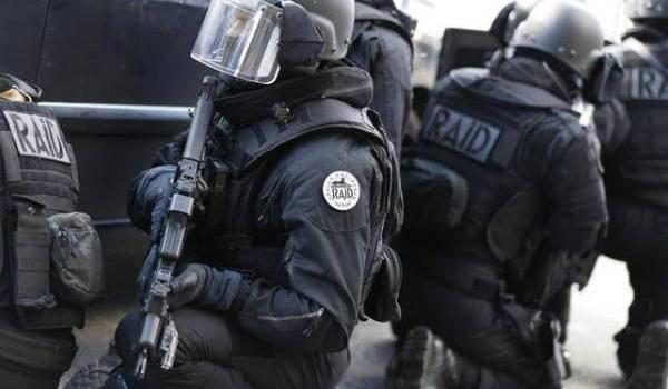 Le Raid envoyé pour neutraliser les preneurs d'otages.