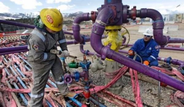 La fracturation hydraulique pour puiser le gaz de schiste cause des séismes au Canada et aux USA.